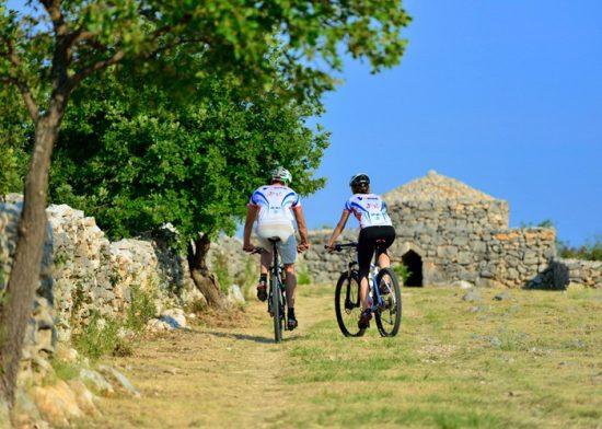 Biciklisti u Dalmatinskom zaleđu
